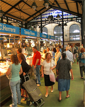 Food market in Jerez. Food and wine Jerez walking tour