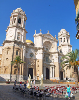 Cadiz Cathedral. Walking tour of Cadiz