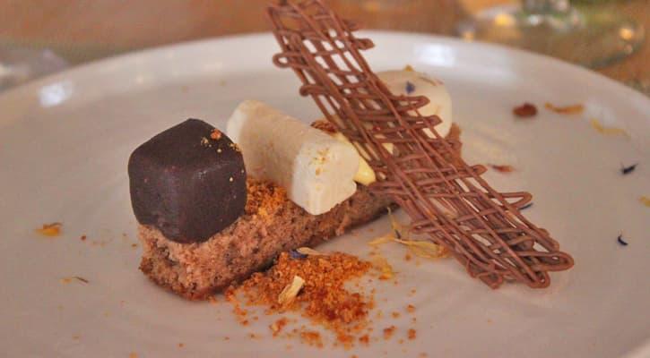A plate of ice cream at restaurante el embarcadero in Rota, Spain